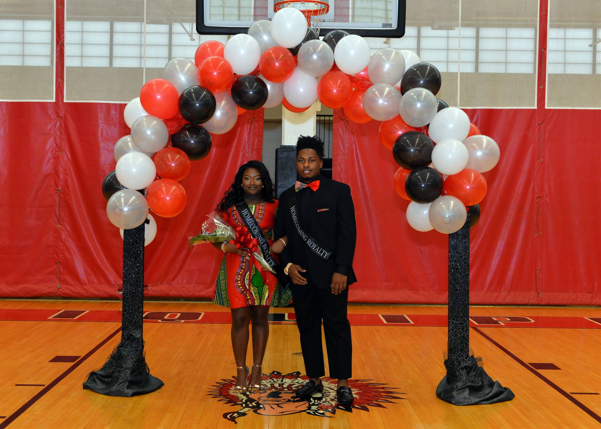 Homecoming Caniyah and Jumar balloon arch