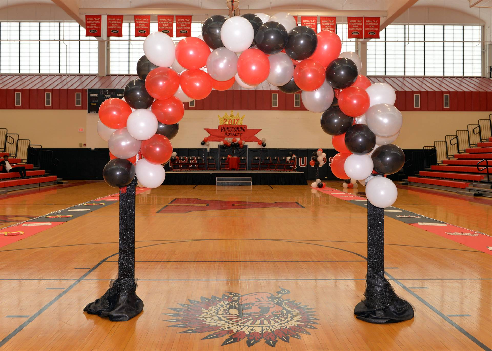 Homecoming balloon arch