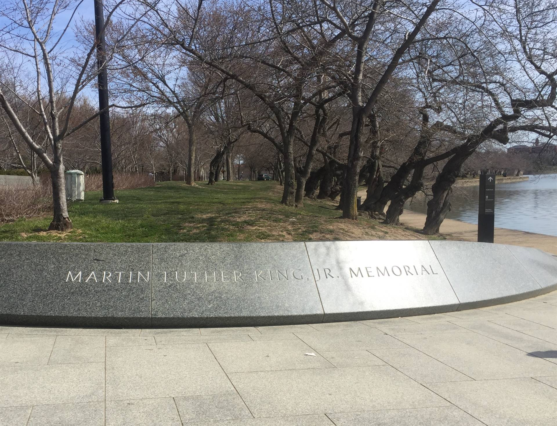 MLK jr. memorial sign